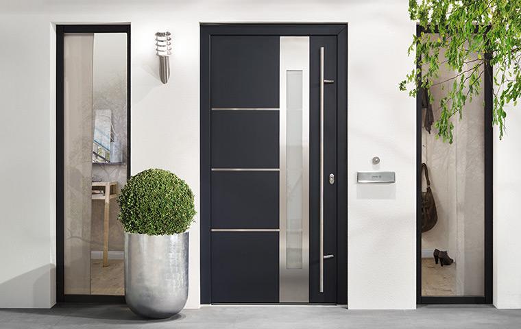 Надежные современные входные двери для дома и офиса купить в Киеве недорого
